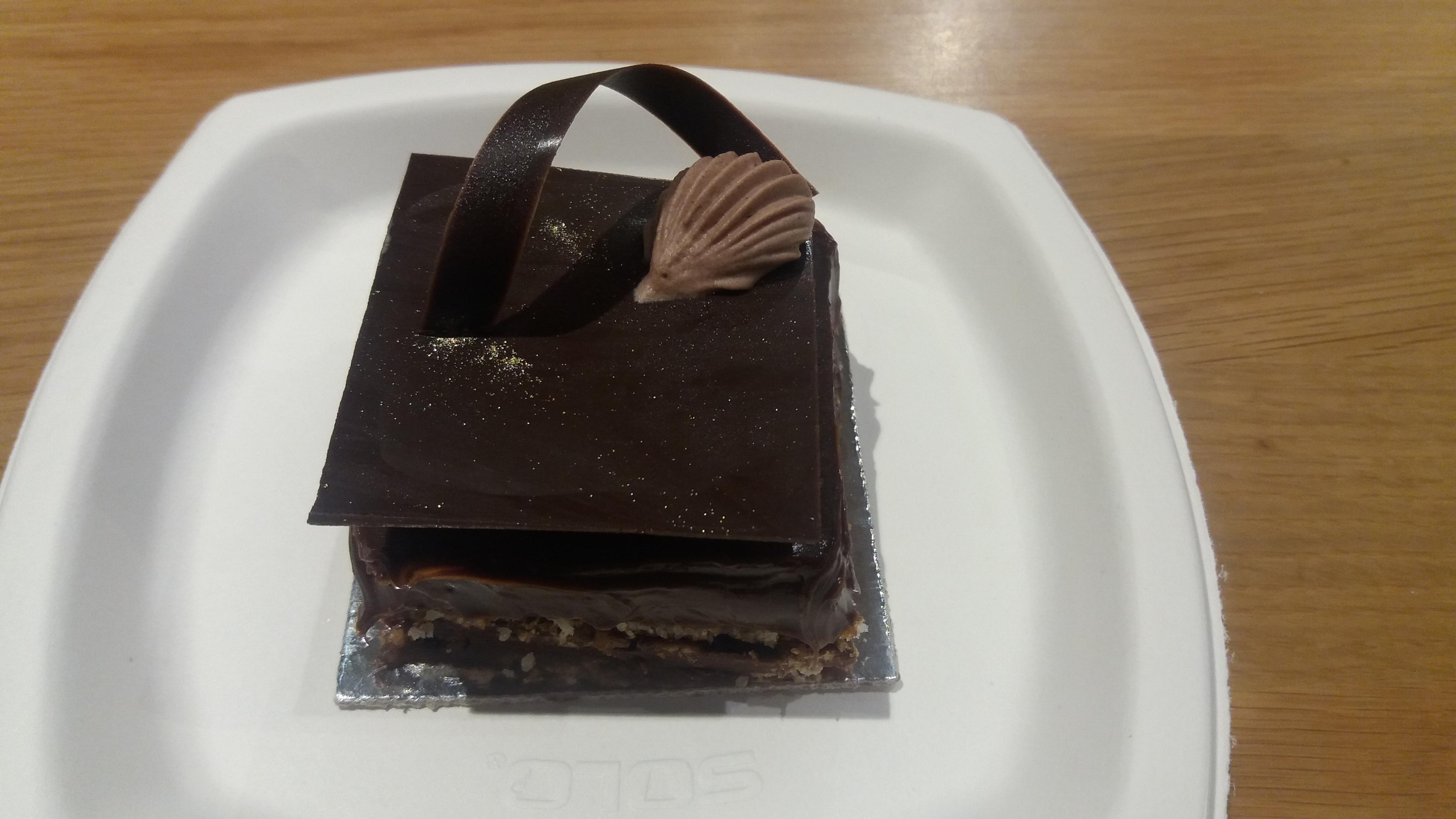 Sobremesa quadrada de chocolate